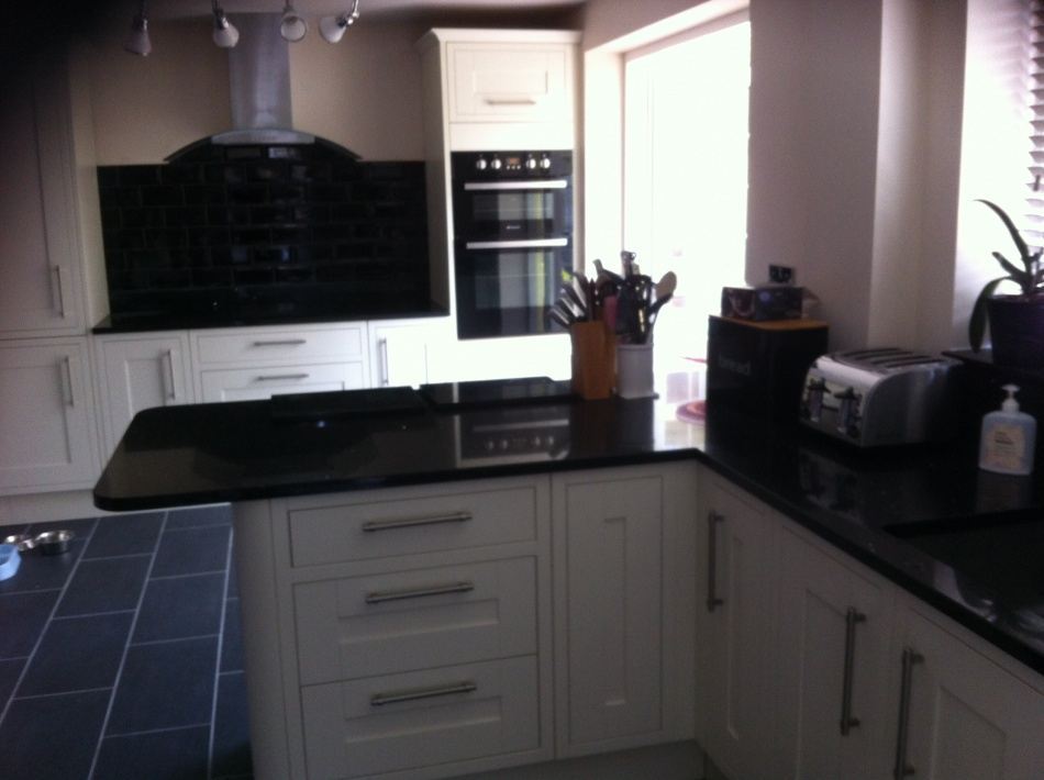 smb kitchens kitchen fitter in peterborough. Black Bedroom Furniture Sets. Home Design Ideas